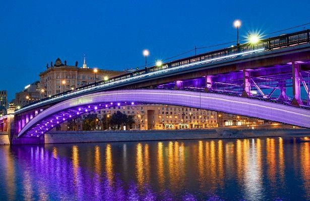 Светомузыкальные шоу на Смоленском мосту фото 3