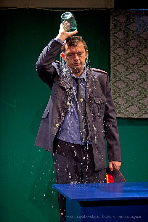 Спектакль «Любовь людей» Дмитрия Богославского в Театре имени Вл. Маяковского фото 4