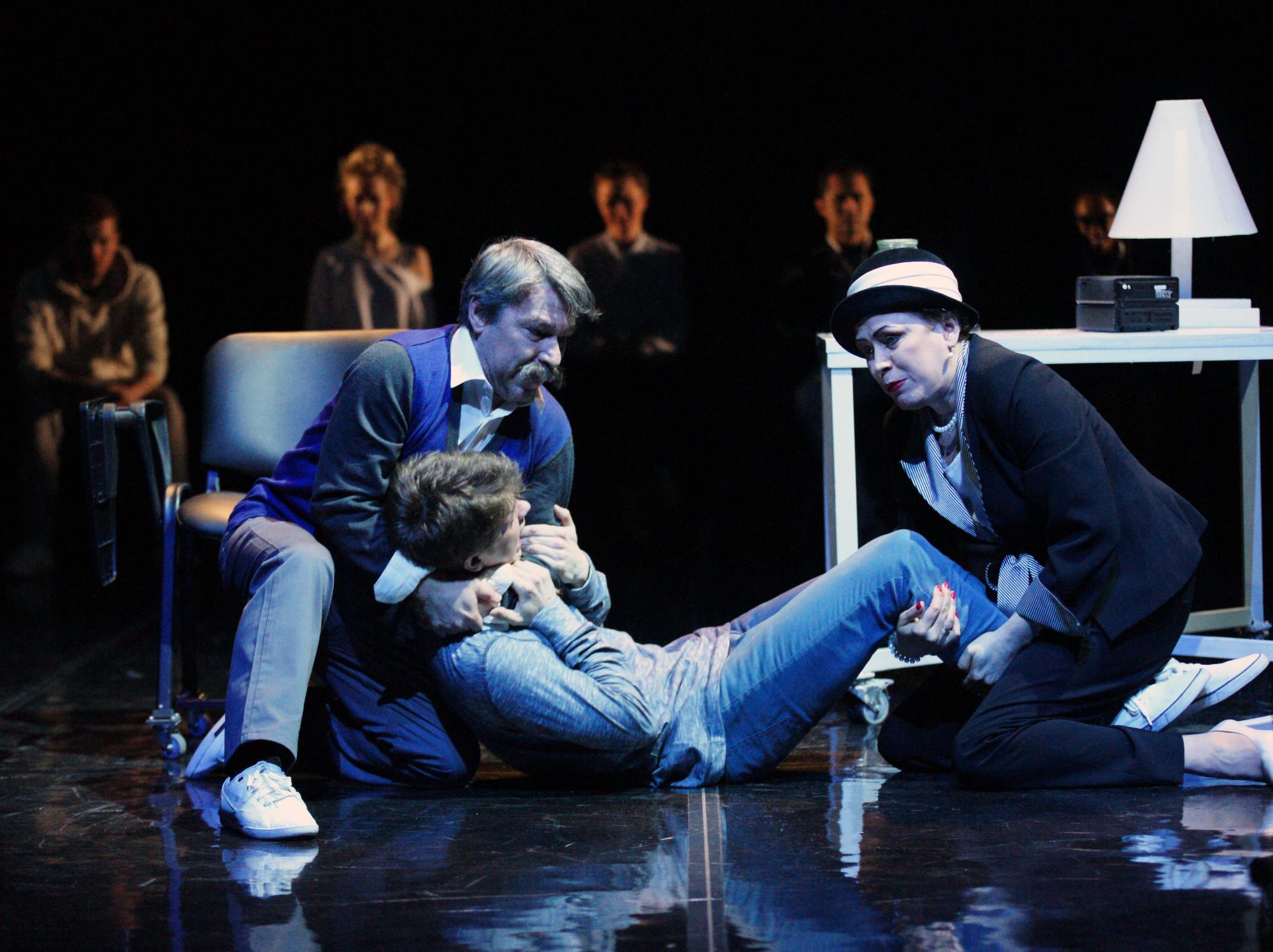 Спектакль «Все оттенки голубого» в Театре «Сатирикон» фото 7