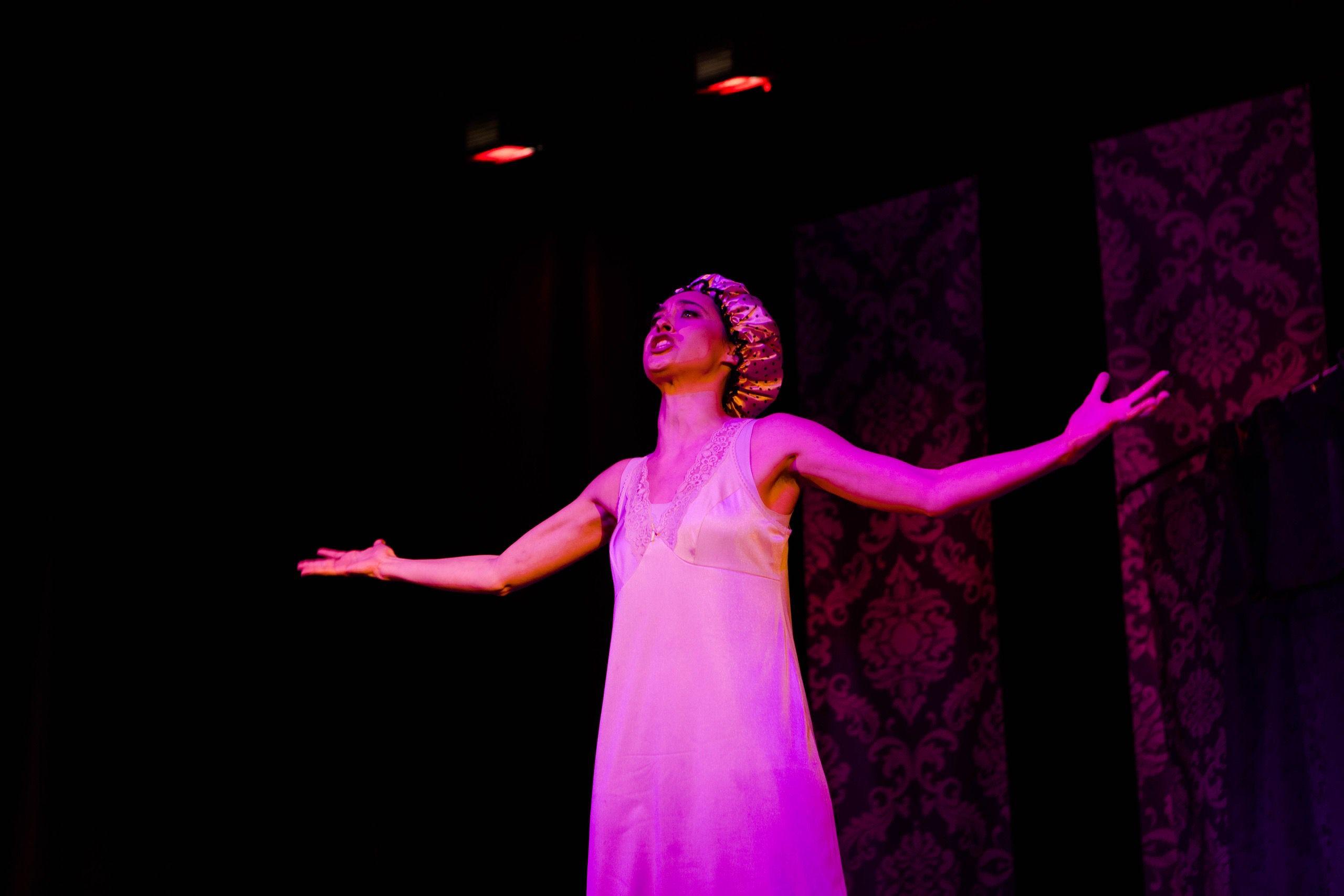 Спектакль «Пила вино и хохотала. Белое» в постановке «Театра двух» (Санкт-Петербург) фото 2