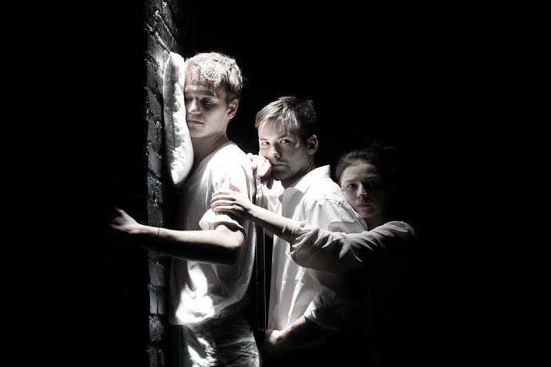 Спектакль «Один день в Макондо» в театре «Студия театрального искусства» фото 1
