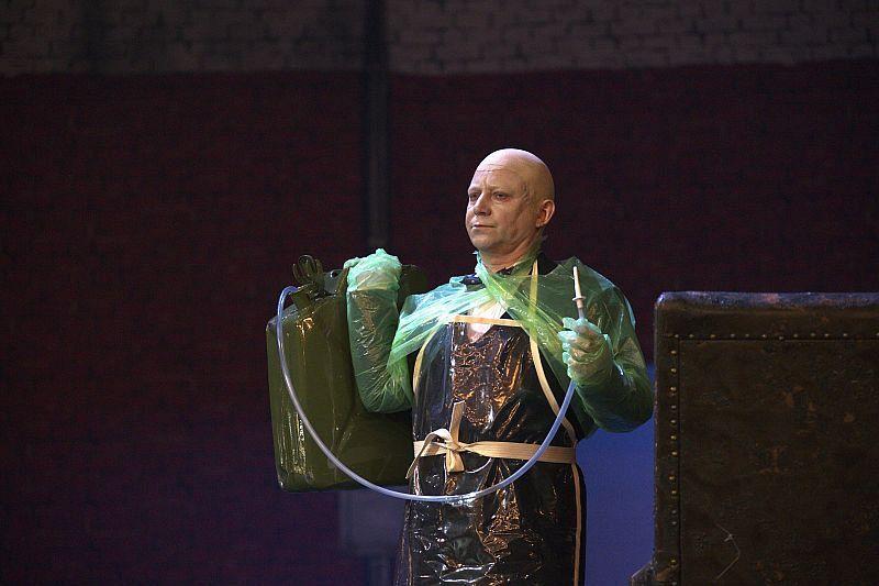 Спектакль «Мнимый больной» в Театре им. Вахтангова фото 11
