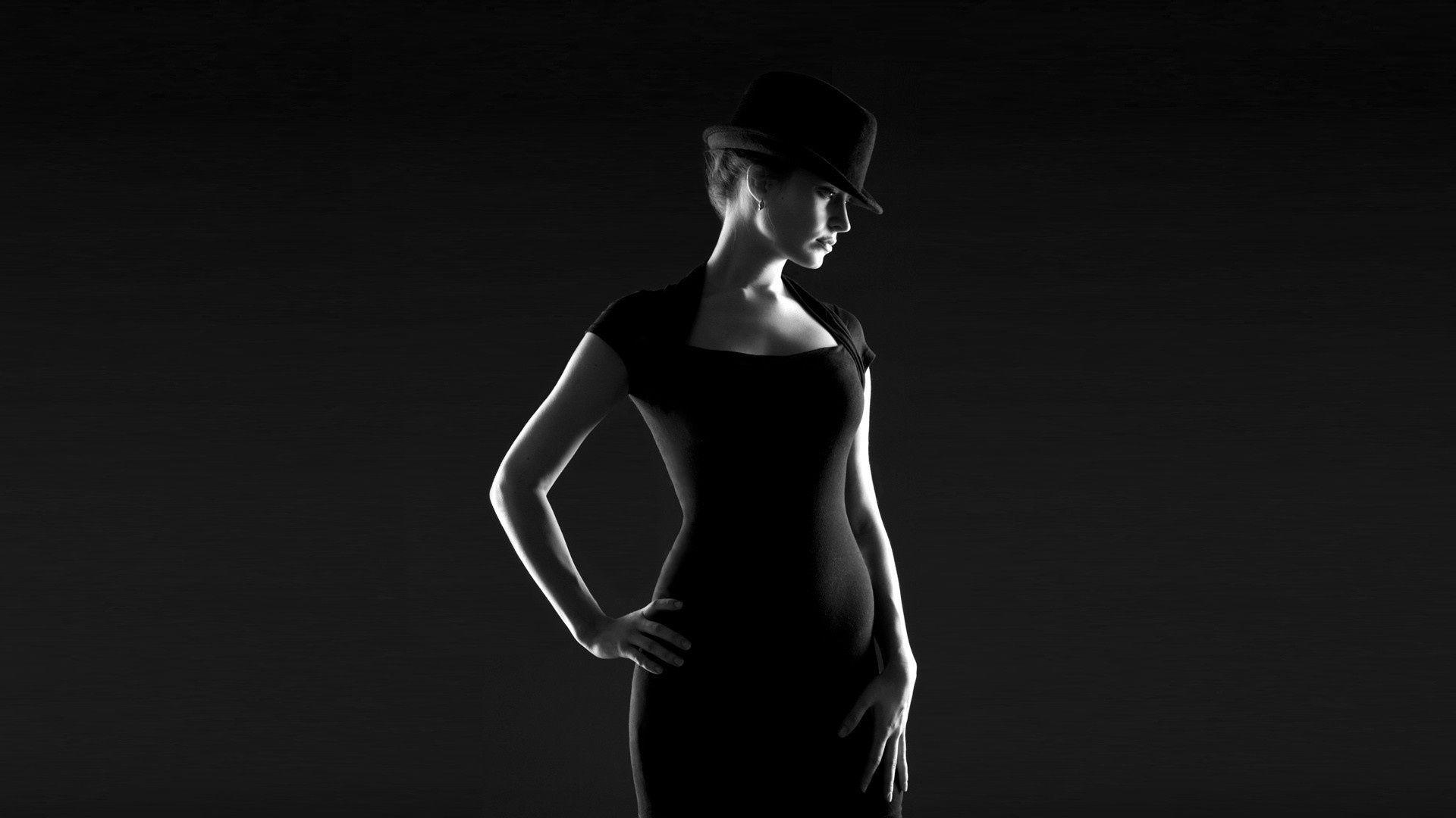 девушка шляпка белая онлайн