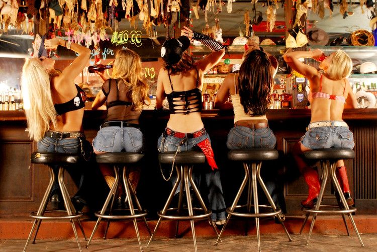 Самые крутые бары для танцев на столе! Москва 2012