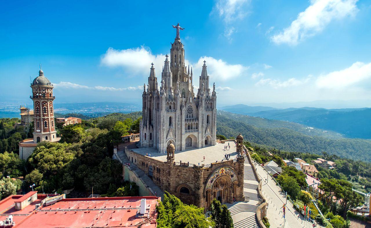 явился клубную фото испании красивых мест памятник