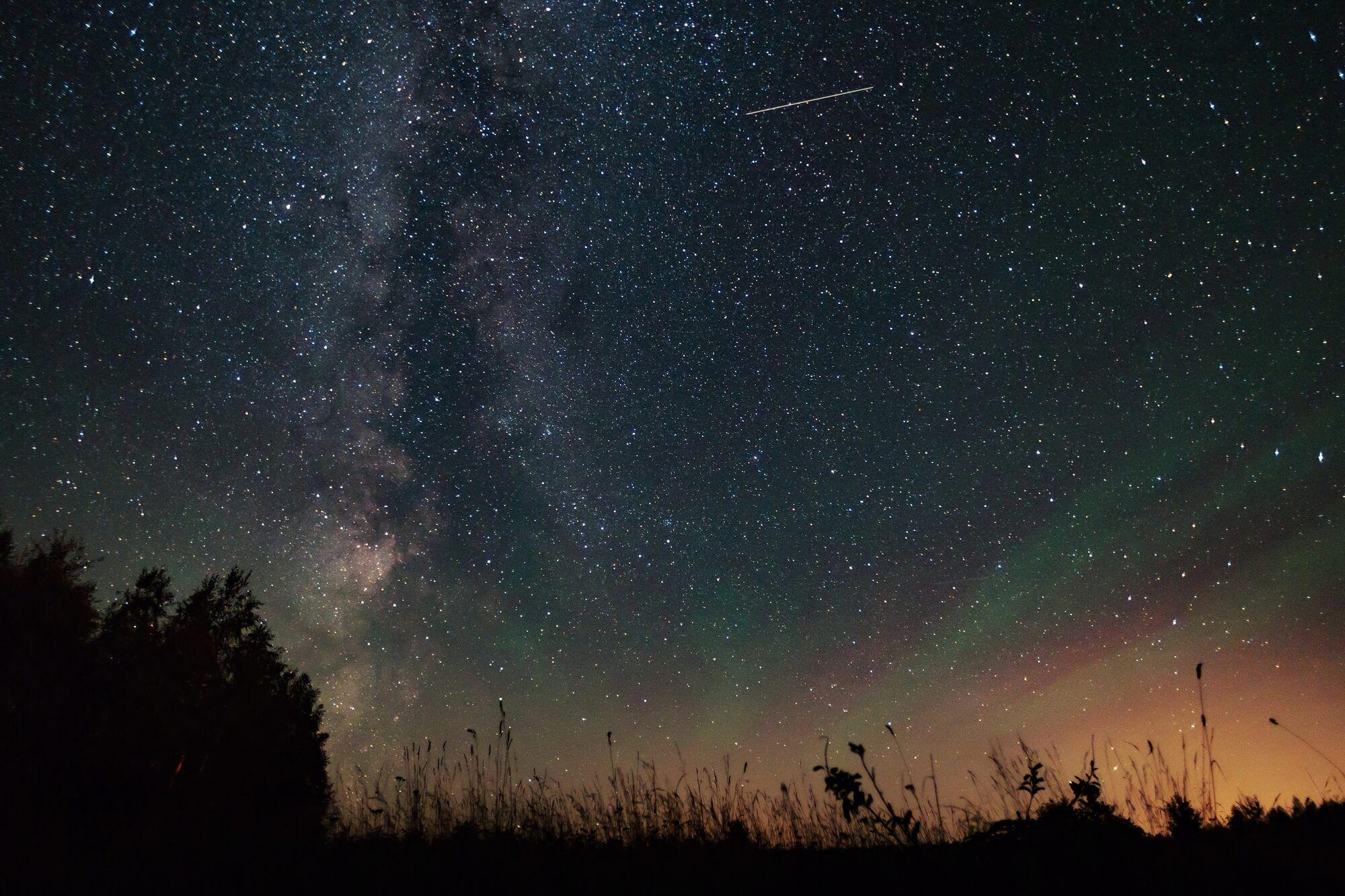 как красивое фото звездопада тогда показалось