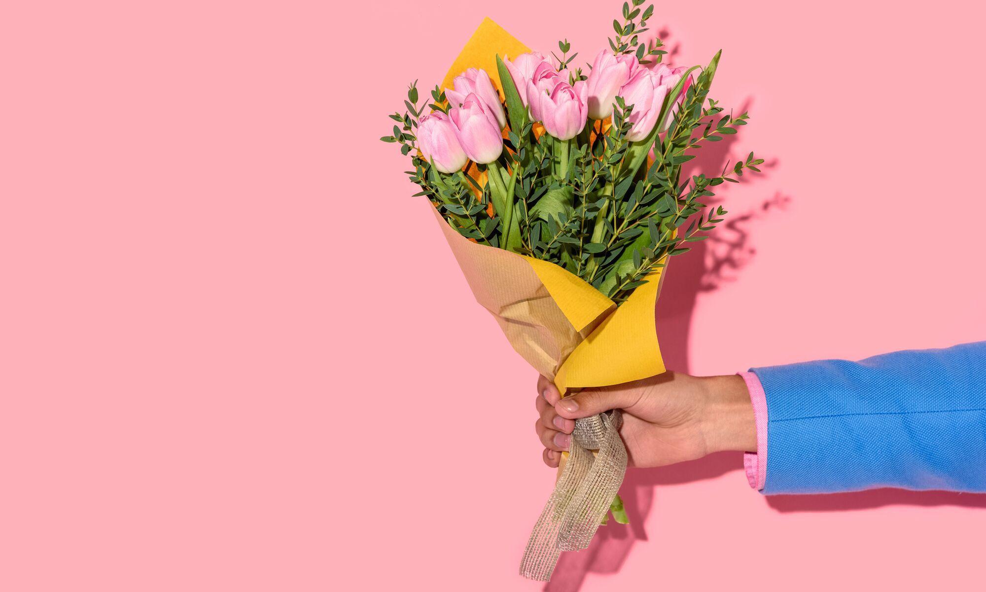 Доставка цветов корпоративное 8 марта поздравления, купить живые цветы