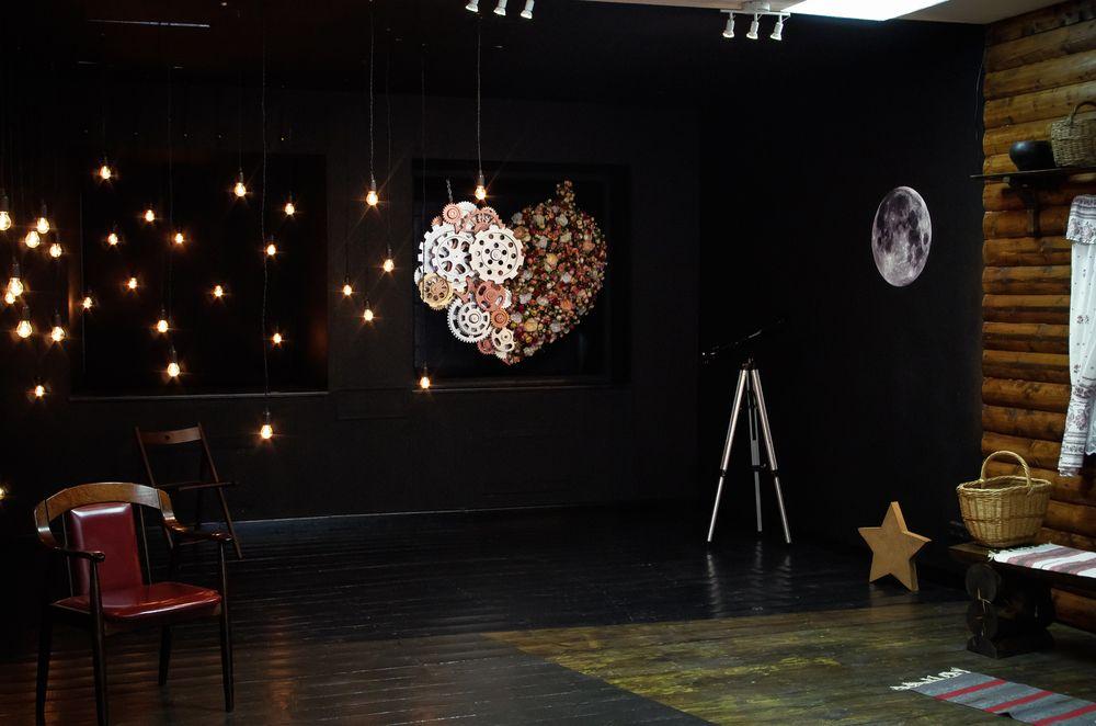 Фотостудия со сценой для фотосессии