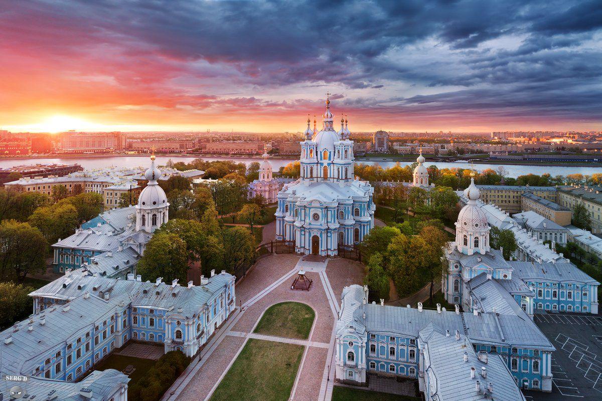 Смольный собор в Санкт-Петербурге