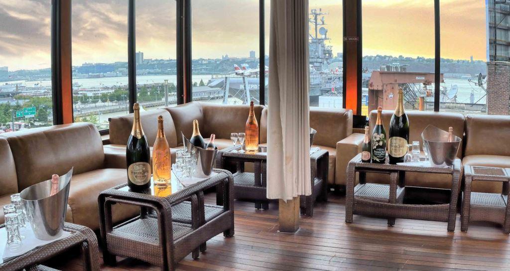Hudson terrace in new york for Terrace on the hudson