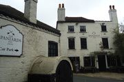 #4. The Spaniards Inn