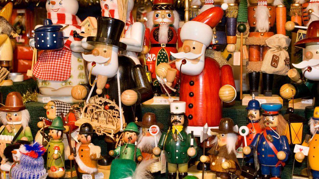 Рождественская благотворительная барахолка The New Old