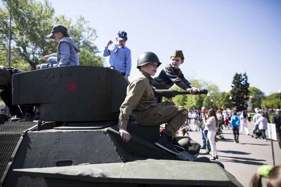 Выставка военной техники «Оружие Победы» в Парке Горького