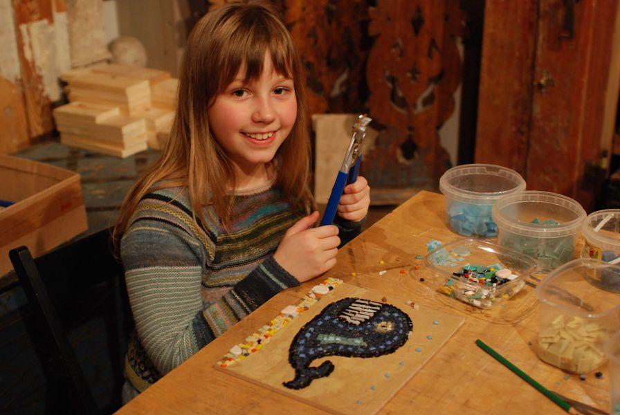 Выставка «Своими руками. Работы учеников открытых мастерских Детского центра Музея архитектуры»