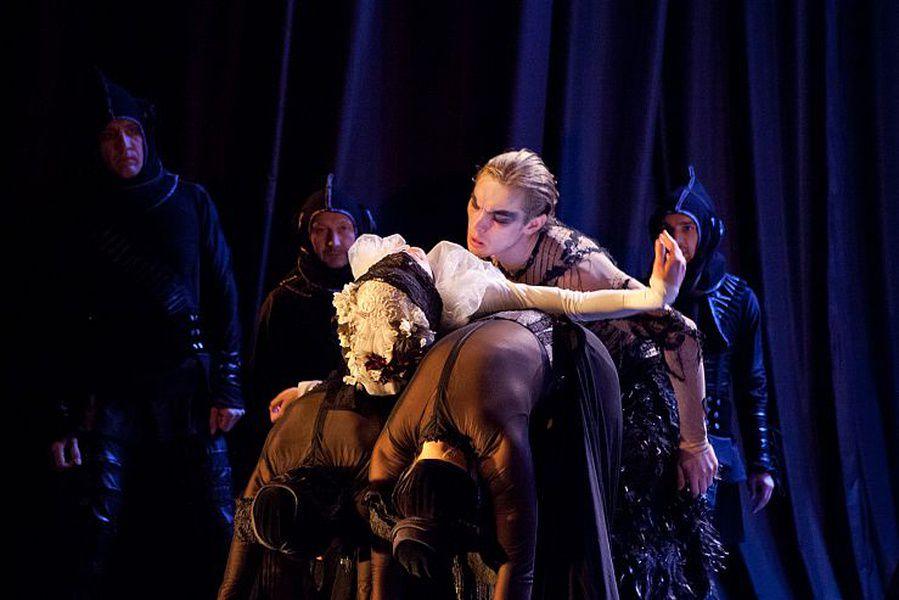 Спектакль «Демон» в Театре им. Ермоловой