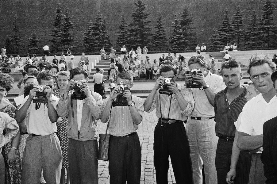 Выставка «Москва 1957 в фотографиях Леонара Джанадды. Взгляд молодого швейцарца»