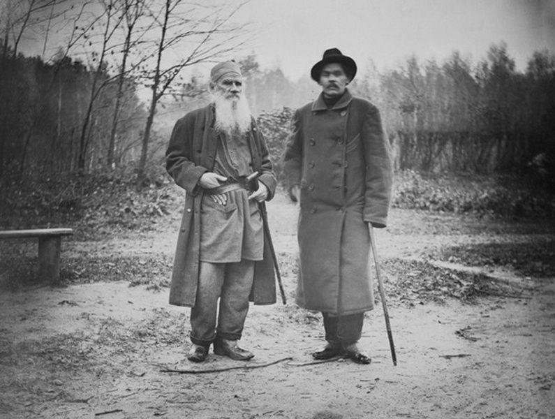 Выставка «Лев Толстой сквозь призму фотокамеры»