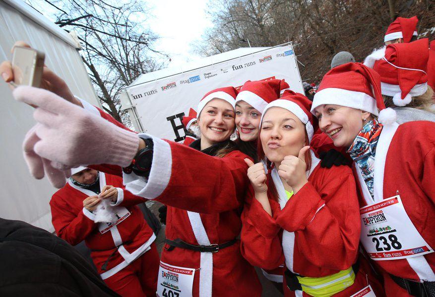Благотворительный забег Дедов Морозов, Зайцев и Снежинок — HappyRun 2015