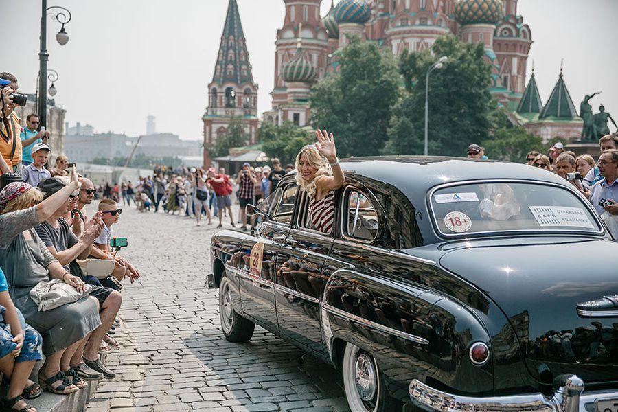 Пробег ретроавтомобилей «ГУМ-Авторалли»
