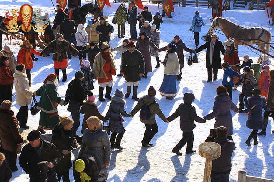Развлекательная программа «Зима стучится в ворота»