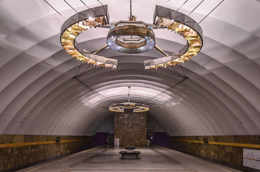 Впетербургском метро появится бесплатная Wi-Fi связь