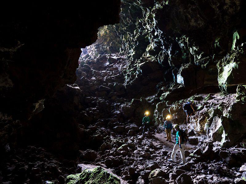 Ученым удалось отыскать наЛуне иМарсе безупречные места для жизни людей