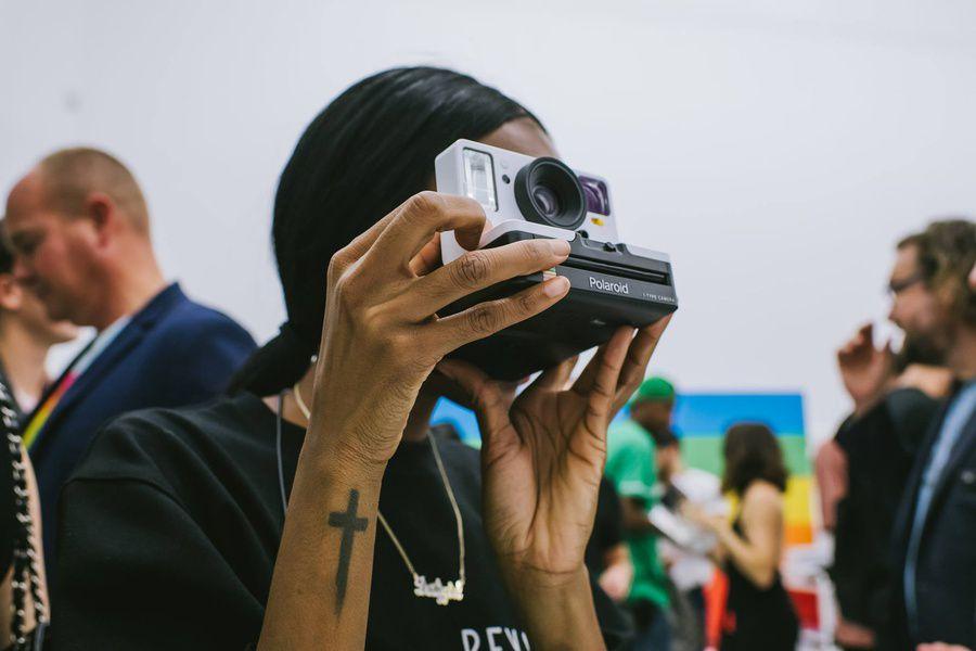 ВСША в реализацию вышел современный пообразу иподобию знаменитого Polaroid