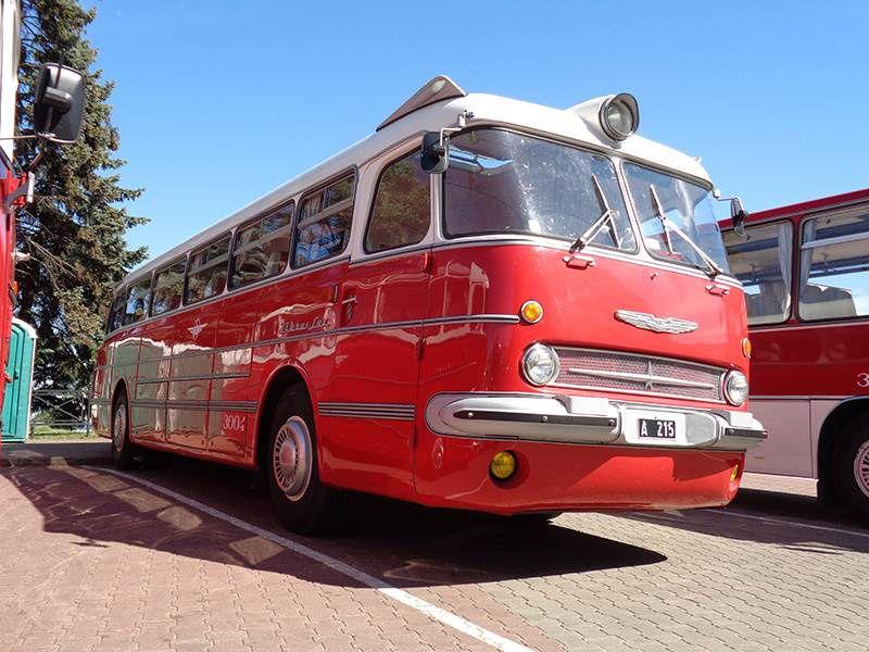 17.09 Выставка ретроавтобусов