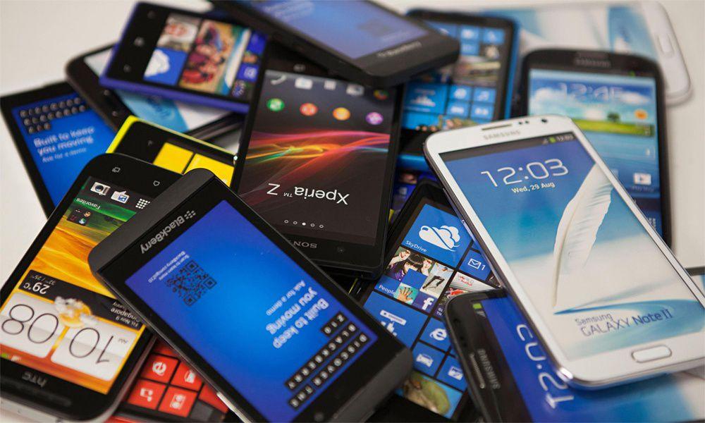 Профессионалы предвещают стремительный рост цен на мобильные телефоны иэлектрокары