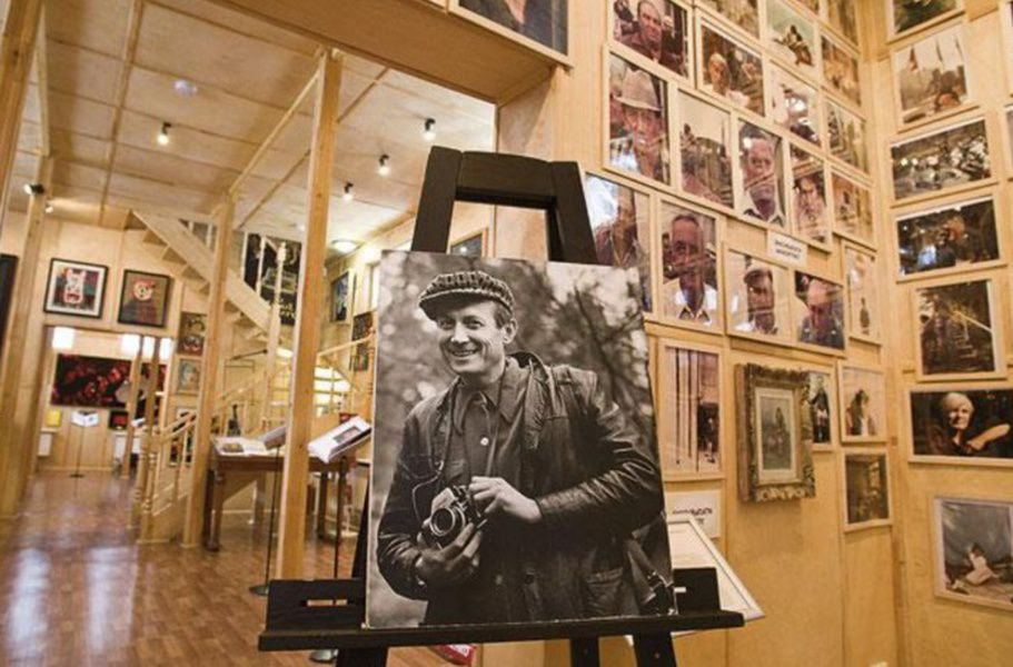 Москвичи впредстоящие выходные смогут бесплатно посетить музей-галерею Евгения Евтушенко