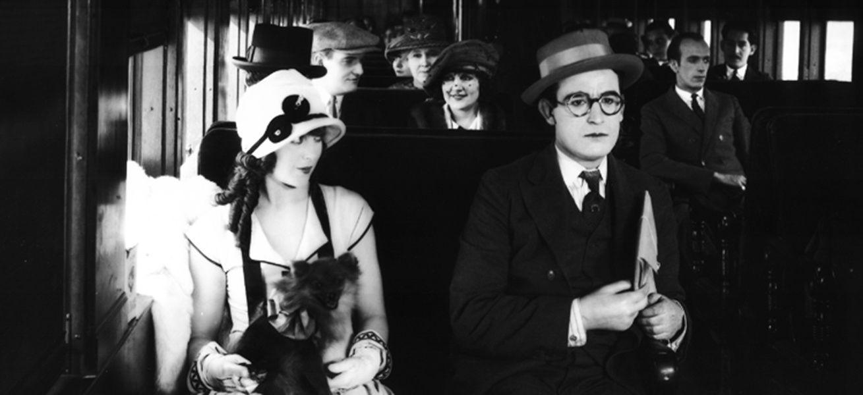 Кадр из фильма «Застенчивый» Фреда С. Ньюмейера и Сэма Тейлора, 1924 г.